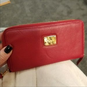 Kenneth Cole Red Zippy Wallet